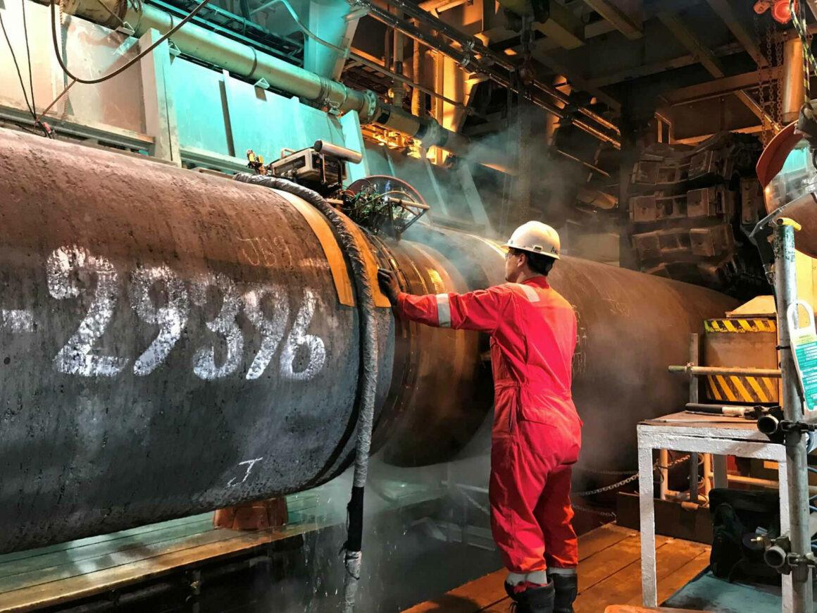 Pipeline Nordstream 2 - Vorbereitung von Schweissarbeiten