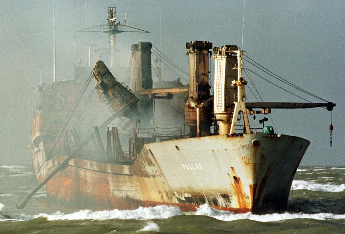 Havarie der Pallas - treibend und führerlos in der Nordsee